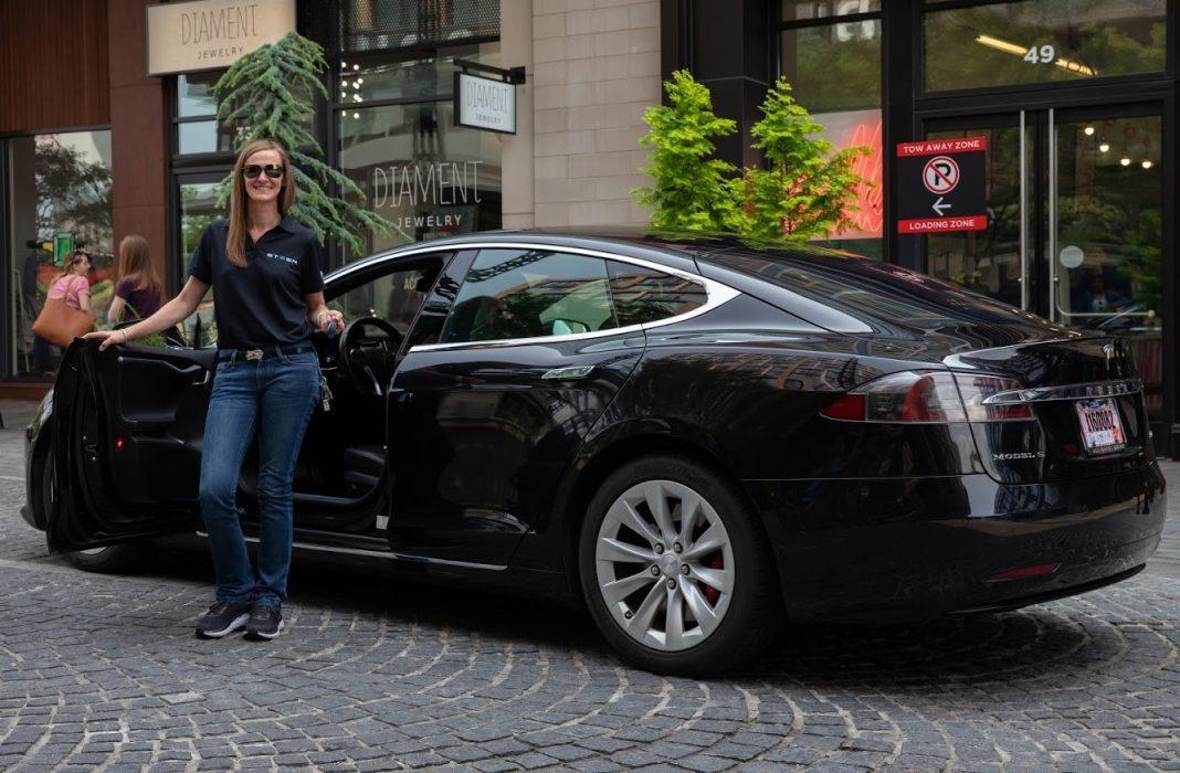 Tesla Model S dropoff Steer EV