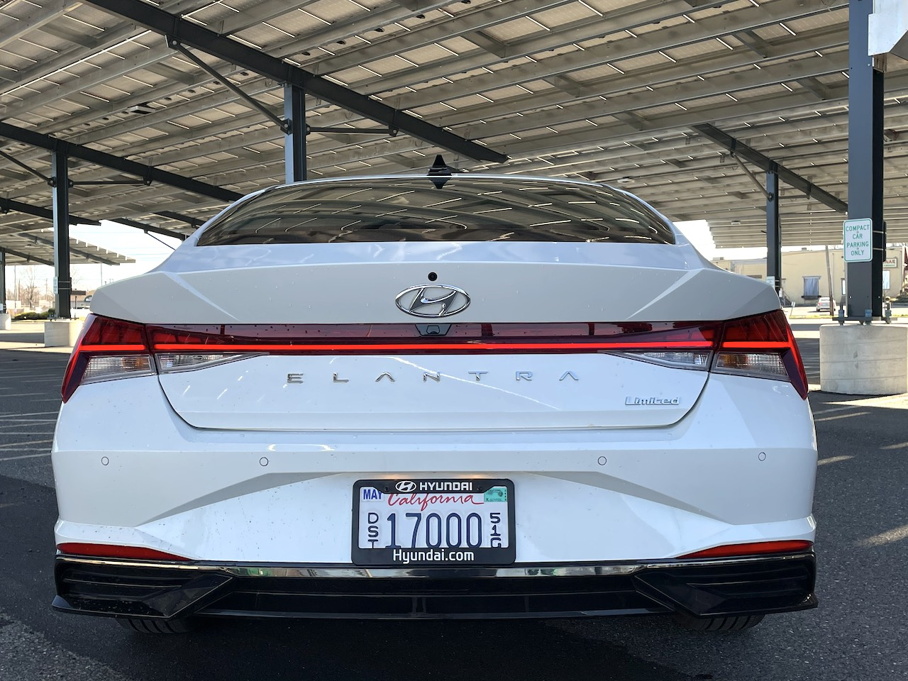 2021 Hyundai Elantra Limited white
