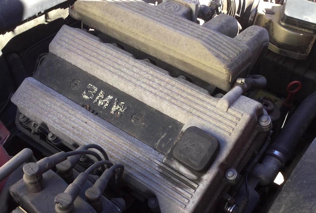 BMW E30 318iS M42 engine