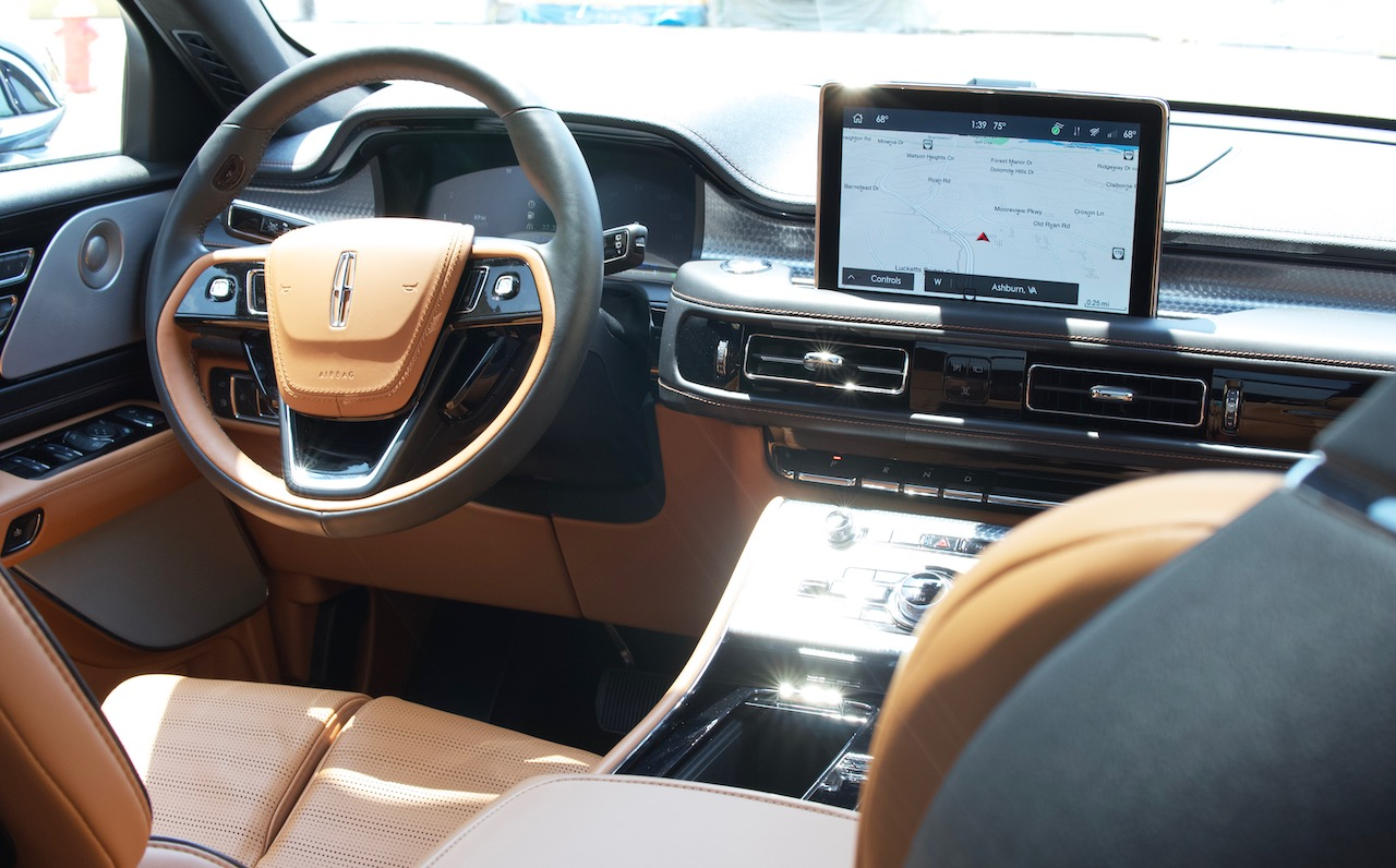 2021 Lincoln Aviator interior