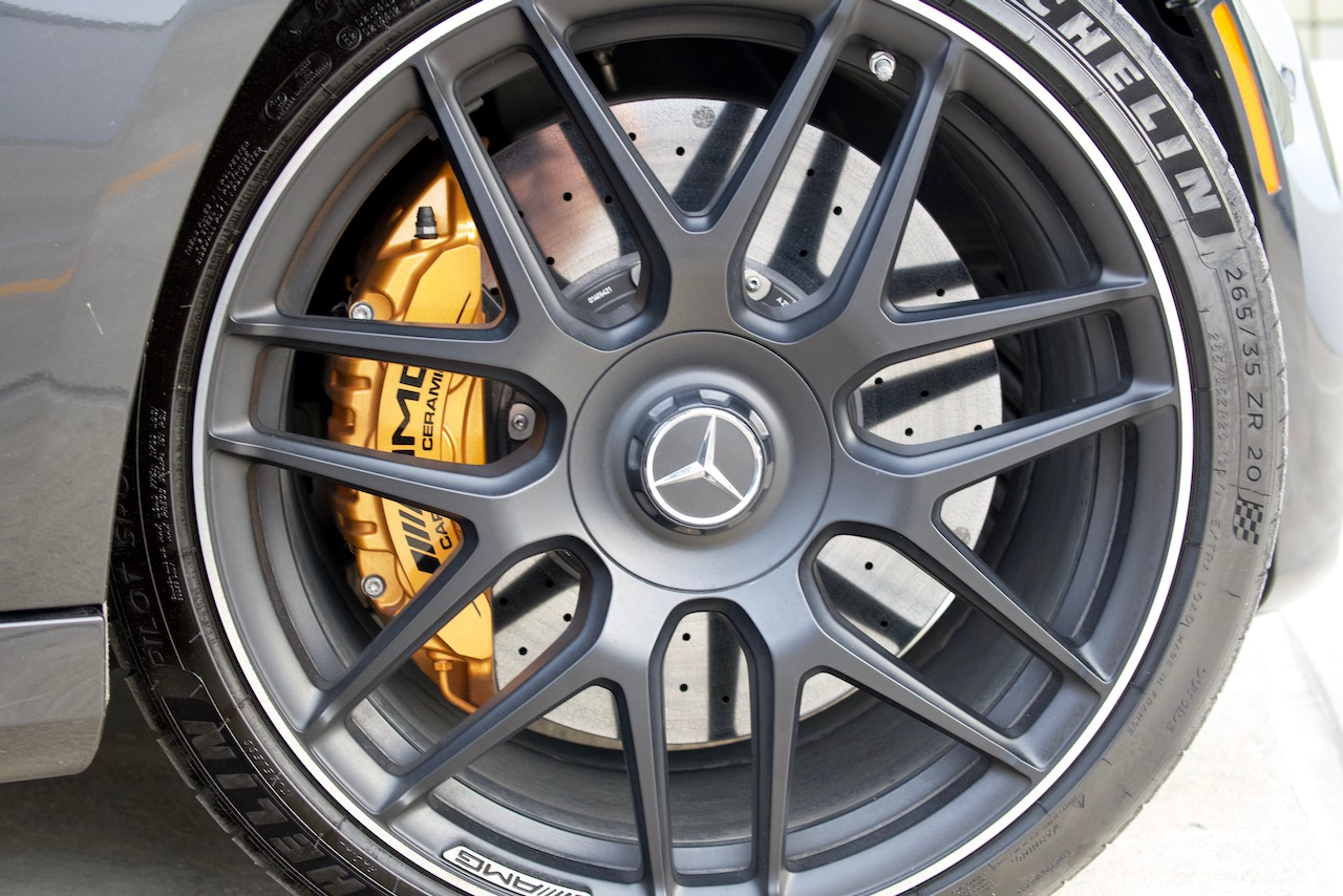 2021 Mercedes-AMG E63 S carbon ceramic brakes