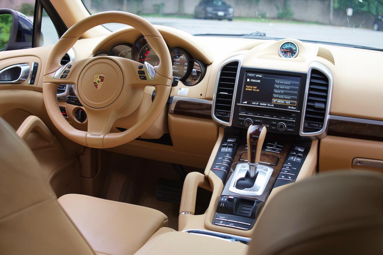 2013 Porsche Cayenne diesel interior