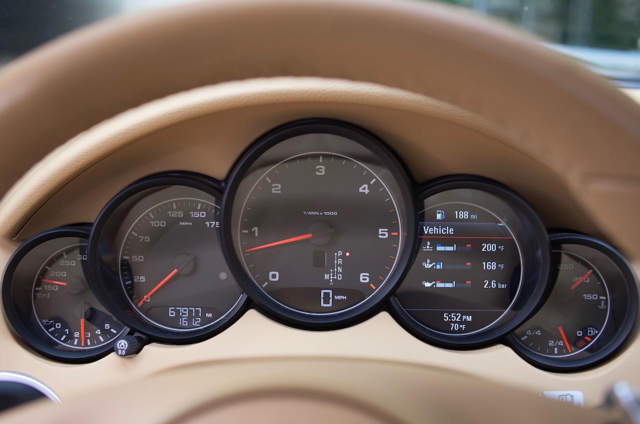 2013 Porsche Cayenne diesel gauges