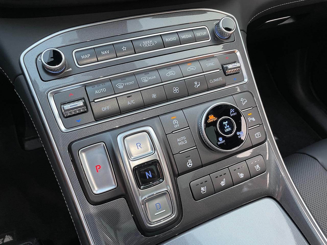 2021 Hyundai Santa Fe 2.5T Calligraphy buttons