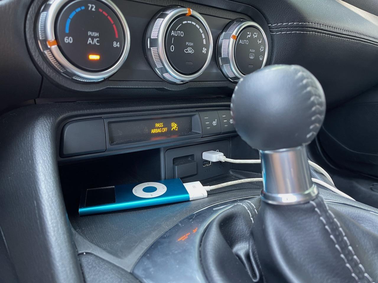2021 Mazda MX-5 Miata iPod USB