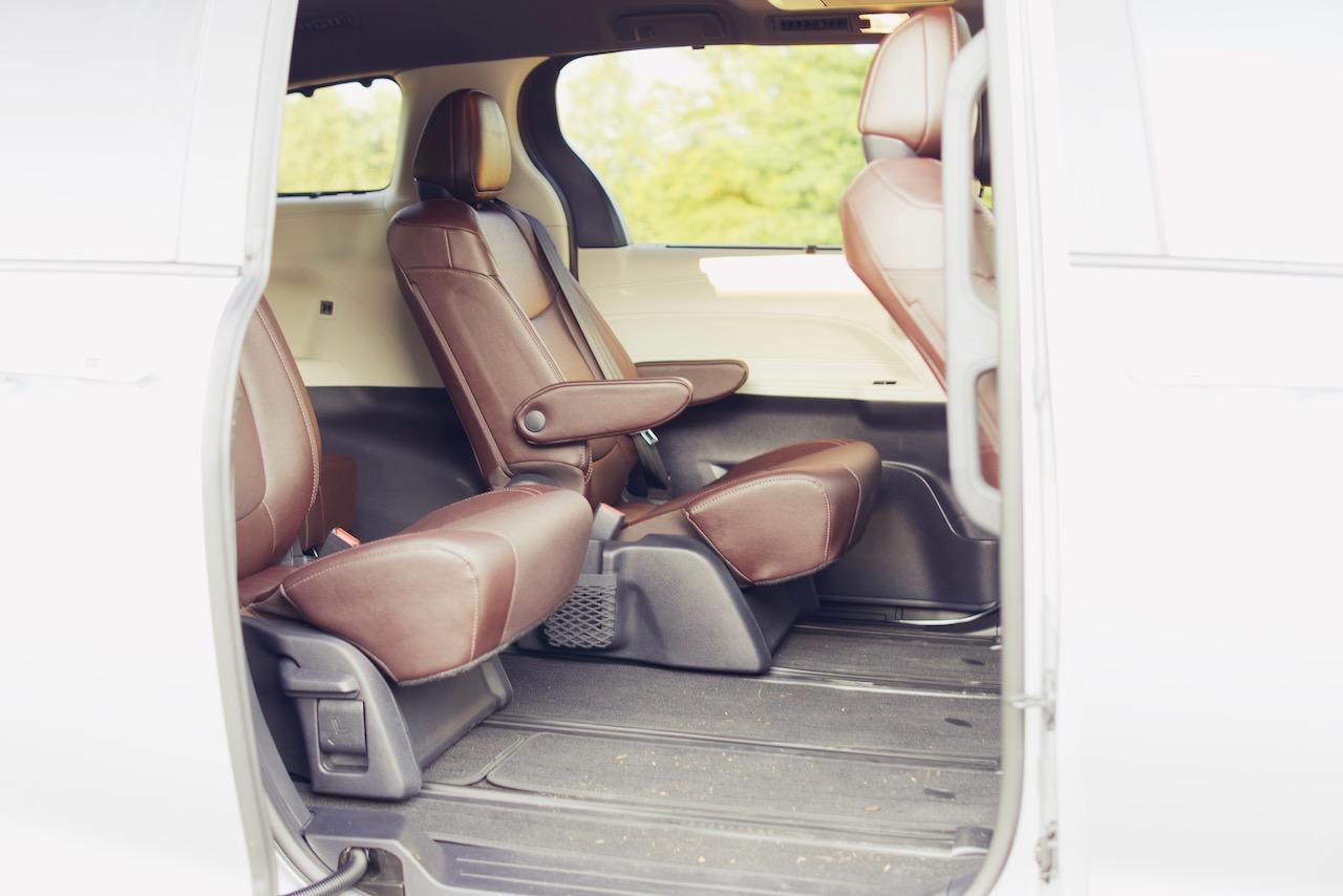2021 Toyota Sienna Platinum second row seats